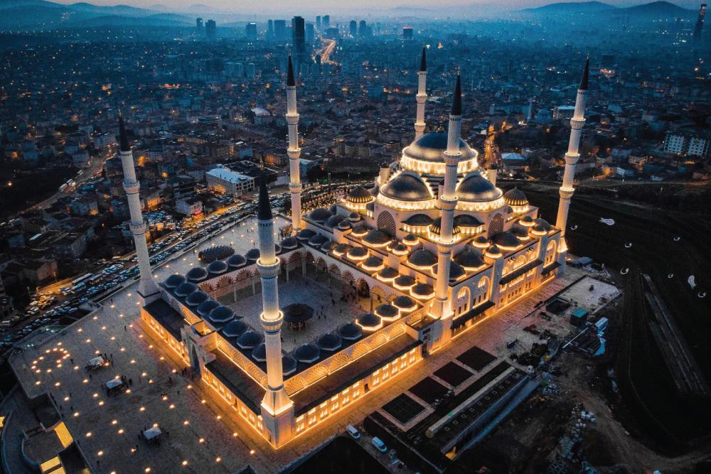 Büyük Çamlıca Camii Ortadoğu halkının yüksek beğenisini kazanmanın yanında, ülkemizi tercih önceliğine de büyük oranda katkı sağladı.